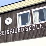 Besfjord skole er stengt grunnet vannmangel. Foto: Robin Lund, IMGS.no