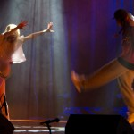 Astrid og Astrid danser. Foto: Robin Lund, Fotonaut.no