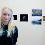 TJELDSUND 26. FEBRUAR 2011 - ETS UKM i Fjelldal samfunnshus. Sofie Birkelund (15 år), fra Tjeldsund, stiller ut flere fotografier. Foto: Robin Lund