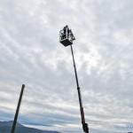 Evenes kraftforsyning løftet besøkende til værs med lift, eller man kunne velge å klatre opp en telefonstolpe selv. Foto: Robin Lund, fotonaut.no