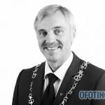 TJELDSUND 13. OKTOBER 2011 - Konstituering av kommunestyret. Høyres Bjørnar Pettersen får fire nye år som ordfører i Tjeldsund. (Foto: Robin Lund)