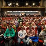NARVIK, 29. APRIL 2013 - Fullsatt sal på næringskonferansen «Påfyll», gikk av stabelen på Folkets Hus. Petter Northug, PG Wettsjö og Eirik Frantzen var trekkplastre. (Foto: Robin Lund .no)