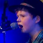 Marcus Aarsund (12 år), fra Tjeldsund, sang og spilte balladen «Halleluja». Foto: Robin Lund, Fotonaut.no